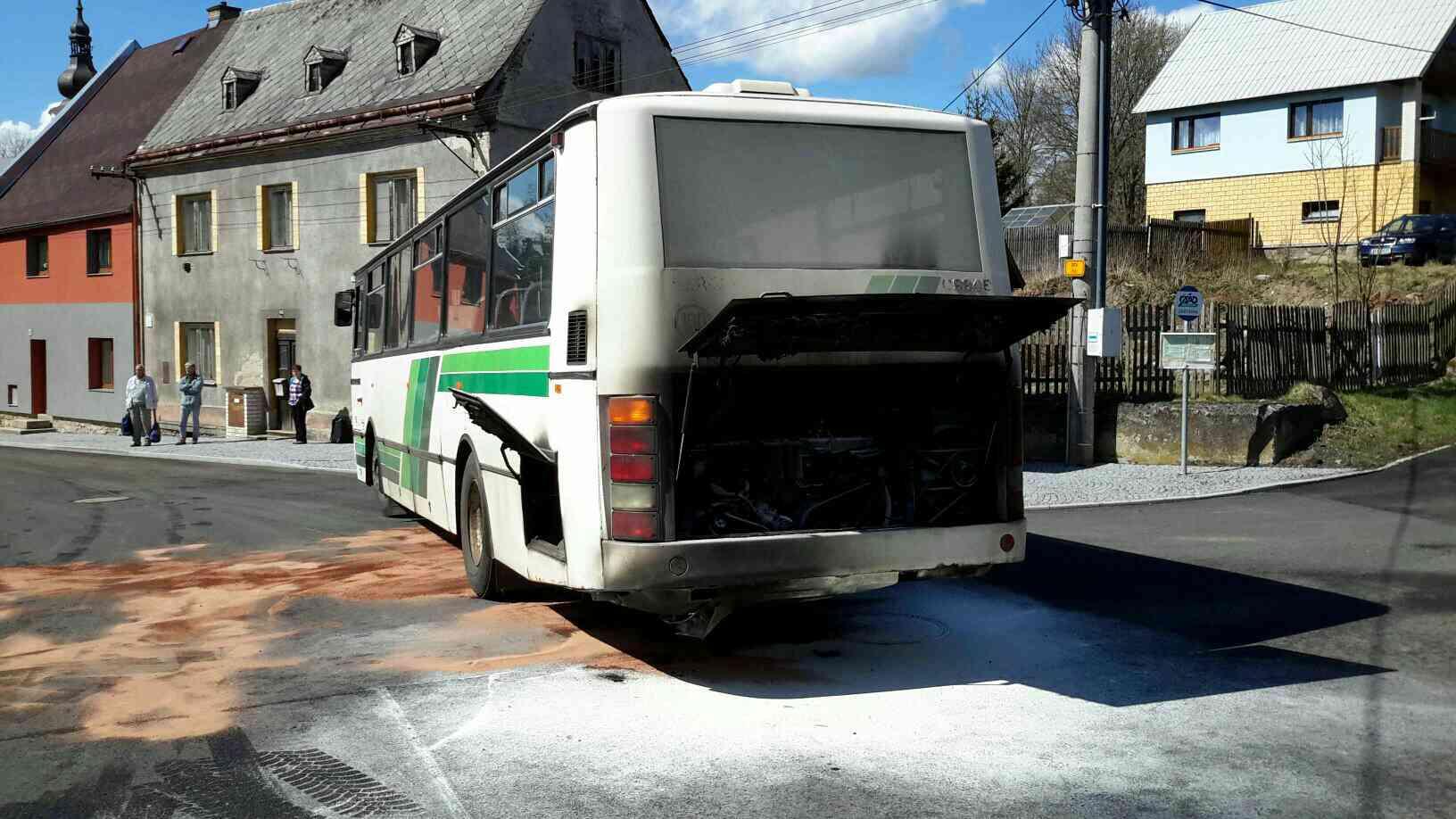 Autobus požár 1