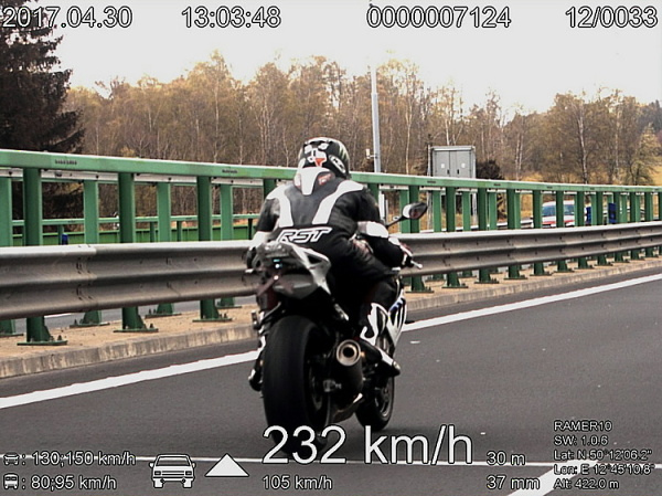 motorkář D6