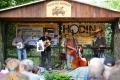 Salajnou zněla country hudba