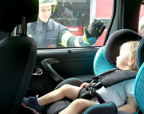 hasiči otevírání auta