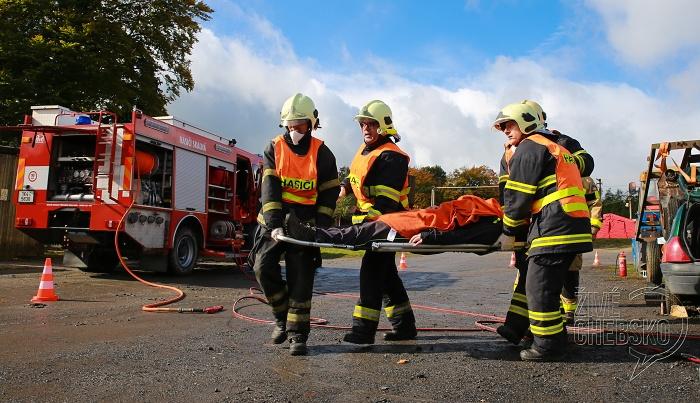 Ve Skalné soutěžili hasiči ve vyprošťování