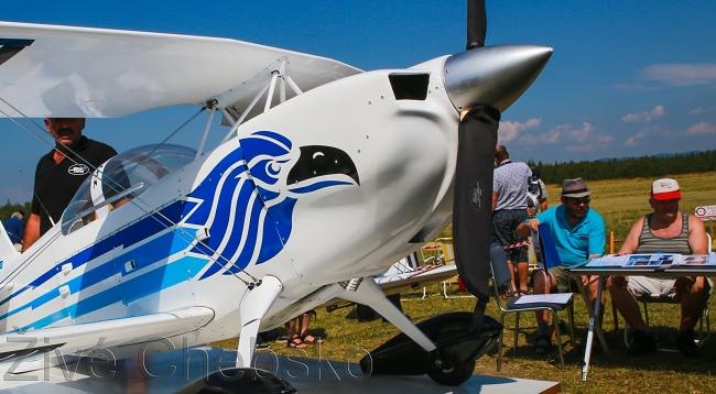 Nad letištěm v Horách létaly velké modely letadel