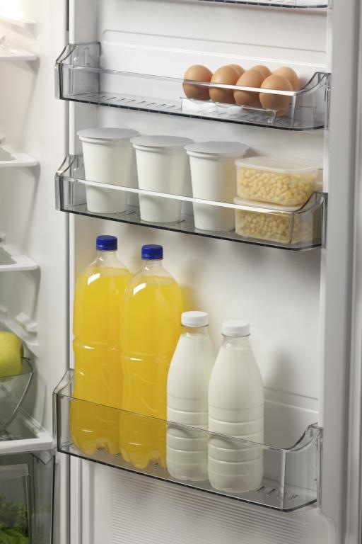 Pořádek v ledničce šetří peníze, stačí mít systém