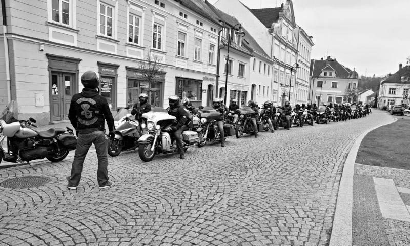 motorkáři duben 2