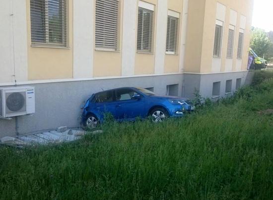 nehoda nemocnice 1