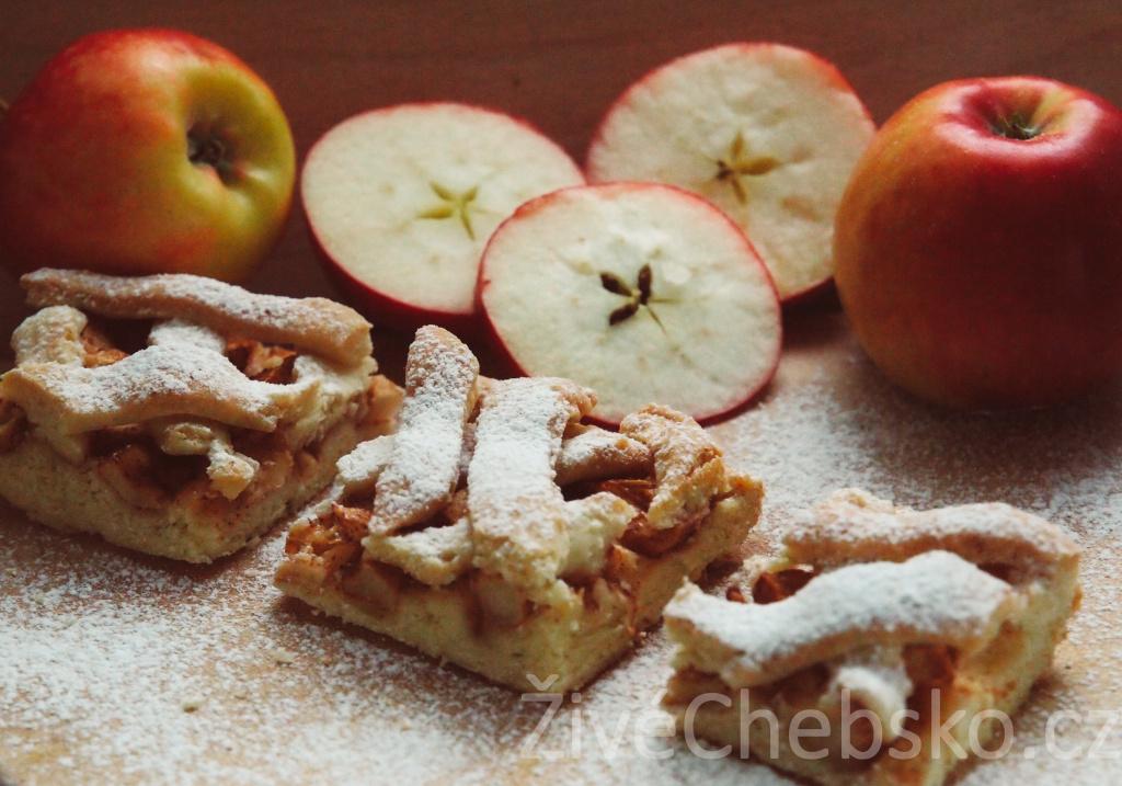 Jablečný mřížkový koláč nebo štrúdl?  Zkuste upéct oba