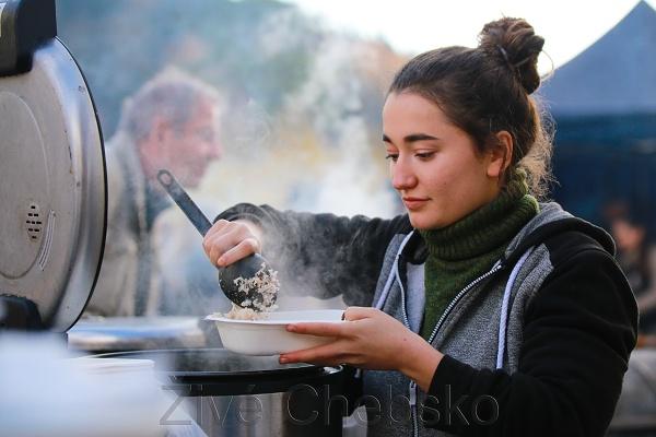Na Svatomartinském polívkobraní ochutnali návštěvníci i specialitu z kozlí hlavy
