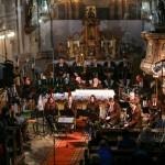 Kostelem-svatého-Jana-Křtitele-zněl-adventní-koncert