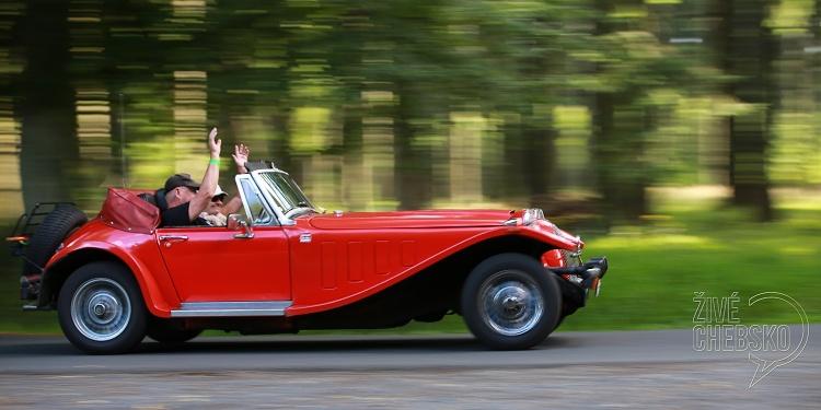 Rallye-zavedla-historická-auta-do-Mariánských-Lázní