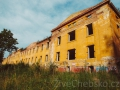 Začala demolice bývalých kasáren. Na jejich místě by mohla vzniknout oáza klidného bydlení
