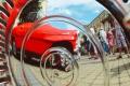 Nablýskaná historická auta se stala středem pozornosti