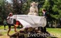 Hotel Krakonoš- Mariánské Lázně, odhalování nové sochy