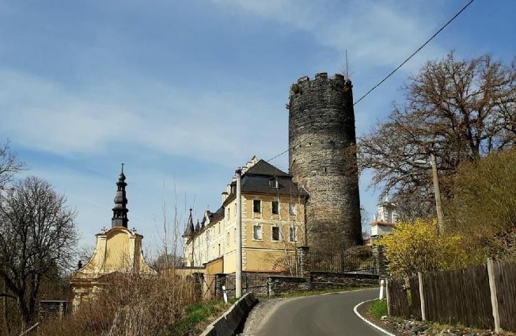 Zámekp ůvodně hrad Starý Hroznatov-foto-Jiří Pošmura