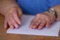V Chebu se soutěžilo ve čtení a psaní Braillova písma